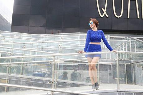Angela Phuong Trinh phai thay 100 bo do, suot ngay o du thuyen 5 sao de… dong phim - Anh 1