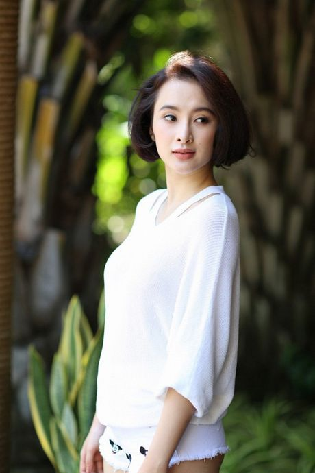 Angela Phuong Trinh phai thay 100 bo do, suot ngay o du thuyen 5 sao de… dong phim - Anh 2