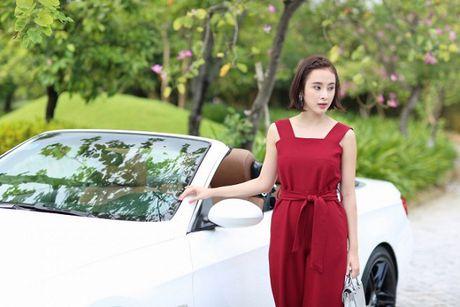 Angela Phuong Trinh phai thay 100 bo do, suot ngay o du thuyen 5 sao de… dong phim - Anh 3