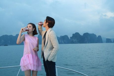 Angela Phuong Trinh phai thay 100 bo do, suot ngay o du thuyen 5 sao de… dong phim - Anh 4