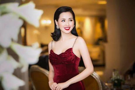 Hong Que giam 9kg sau 1 thang sinh con, Tam Tit sexy het co giua troi lanh - Anh 2