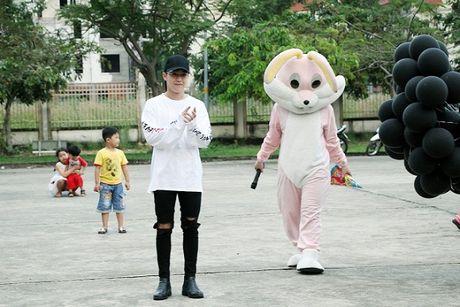Mung ca khuc moi 'gay bao', fan Uni5 danh qua bat ngo tang than tuong - Anh 11