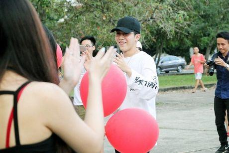 Mung ca khuc moi 'gay bao', fan Uni5 danh qua bat ngo tang than tuong - Anh 9
