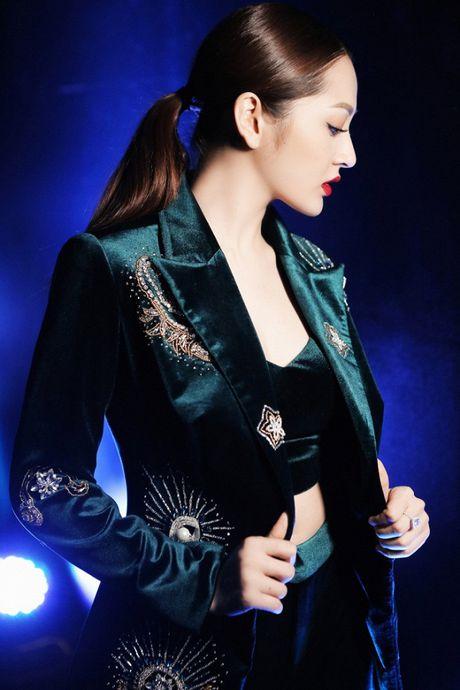 Bao Anh 'chat lu' voi hot trend cuoi 2016 xuat hien tai tuan le nha thiet ke thoi trang - Anh 4