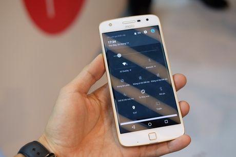 Ra mat bo doi smartphone Moto Z, Mot Z Play voi bo phu kien doc dao - Anh 2