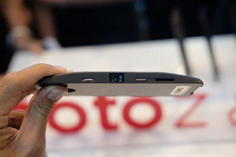 Ra mat bo doi smartphone Moto Z, Mot Z Play voi bo phu kien doc dao - Anh 6