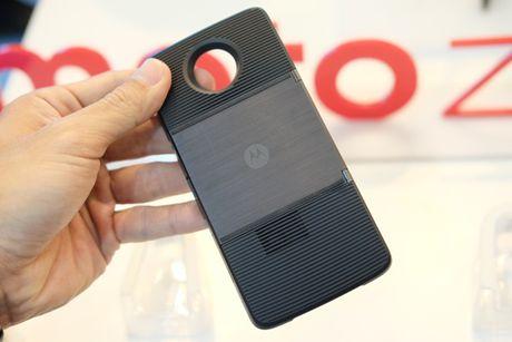 Ra mat bo doi smartphone Moto Z, Mot Z Play voi bo phu kien doc dao - Anh 7