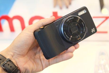 Ra mat bo doi smartphone Moto Z, Mot Z Play voi bo phu kien doc dao - Anh 8