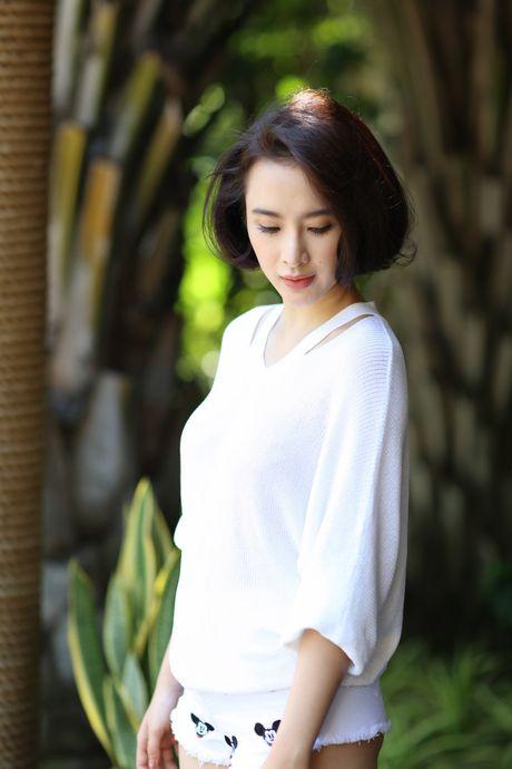 Angela Phuong Trinh khoe dang tren du thuyen o Ha Long - Anh 8
