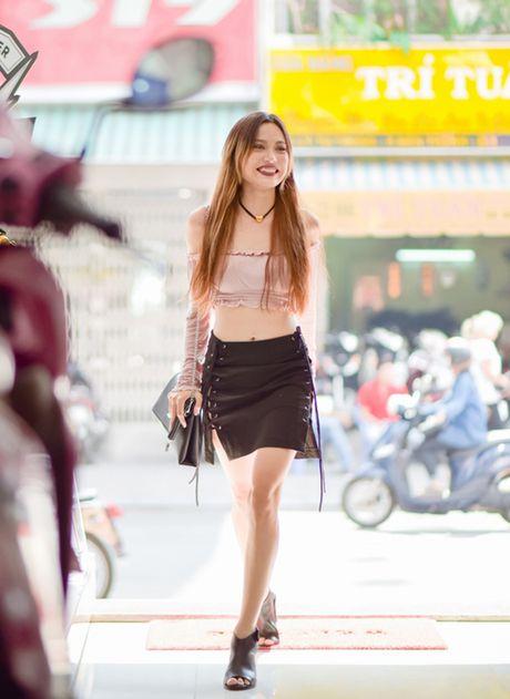 Toc Tien, Hoang Thuy Linh mac doi thuong noi bat tuan qua - Anh 10