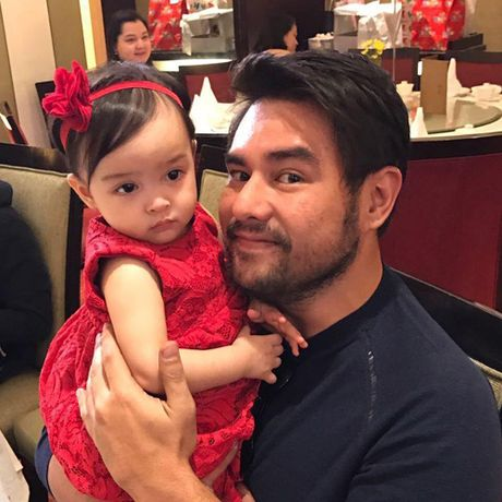 My nhan dep nhat Philippines rang ro trong sinh nhat con gai - Anh 4