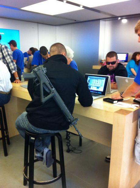 Nhung hinh anh hai huoc chi co tai Apple Store - Anh 7