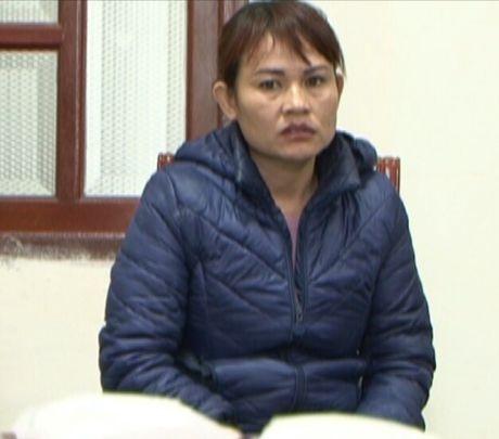 Bac Giang: Bat doi tuong van chuyen 2 cay heroin tren xe mo to - Anh 1