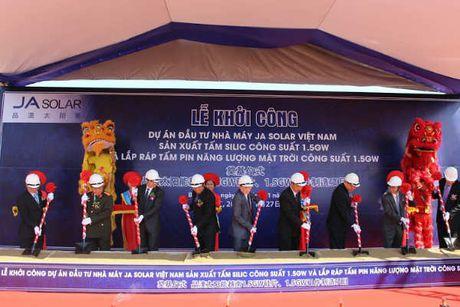 Khoi cong Nha may pin mat troi JA Solar Viet Nam von hon 1 ty USD tai Bac Giang - Anh 1