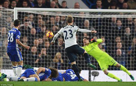DIEM NHAN Chelsea 2-1 Tottenham: Chelsea nguoc dong ngoan muc. Moses tiep tuc toa sang - Anh 1