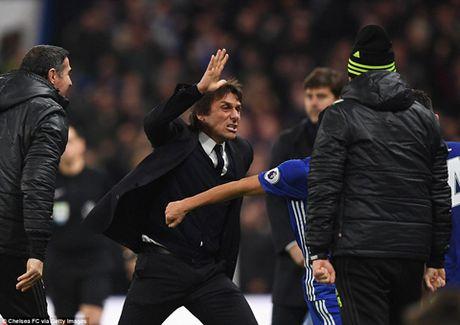 DIEM NHAN Chelsea 2-1 Tottenham: Chelsea nguoc dong ngoan muc. Moses tiep tuc toa sang - Anh 2