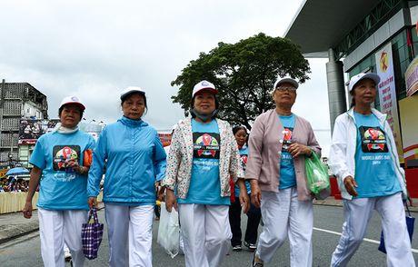 Phat dong Thang hanh dong Quoc gia phong, chong HIV/AIDS - Anh 2