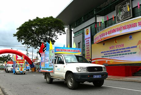 Phat dong Thang hanh dong Quoc gia phong, chong HIV/AIDS - Anh 4
