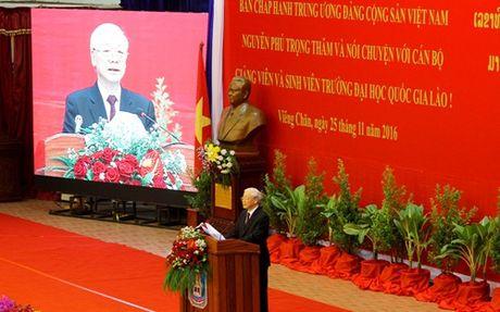 Mai mai tham thiet nghia tinh Viet - Lao - Anh 4