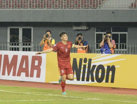 Tin AFF Cup: Huu Thang lap ky tich, Kiatisak ngai gap Viet Nam - Anh 3