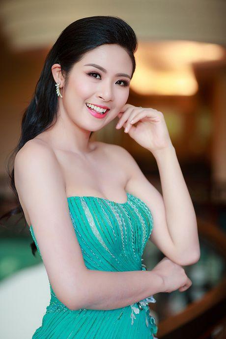 'Thot tim'voi loat vay ao xe nguc tao bao cua my nhan Viet - Anh 17