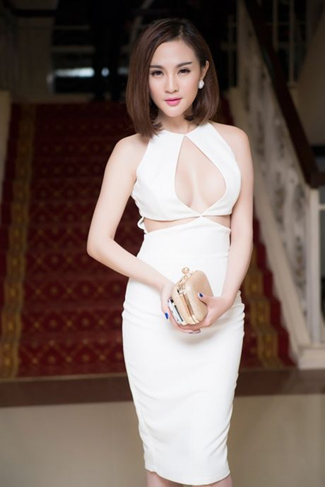 'Thot tim'voi loat vay ao xe nguc tao bao cua my nhan Viet - Anh 7