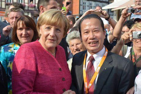 Nghi si goc Viet tai dac cu vao ban lanh dao dang CDU tai thanh pho cua Duc - Anh 1