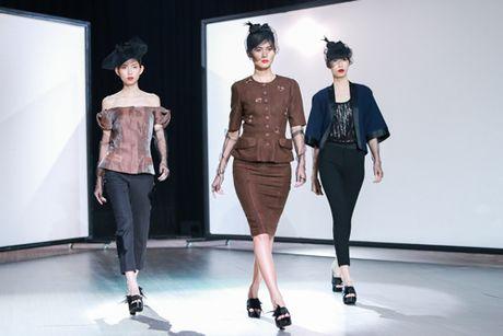 Mai Ngo 'dui da tang' van sexy lan at ca hoa hau Thuy Dung - Anh 17