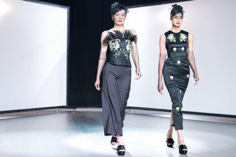Mai Ngo 'dui da tang' van sexy lan at ca hoa hau Thuy Dung - Anh 19