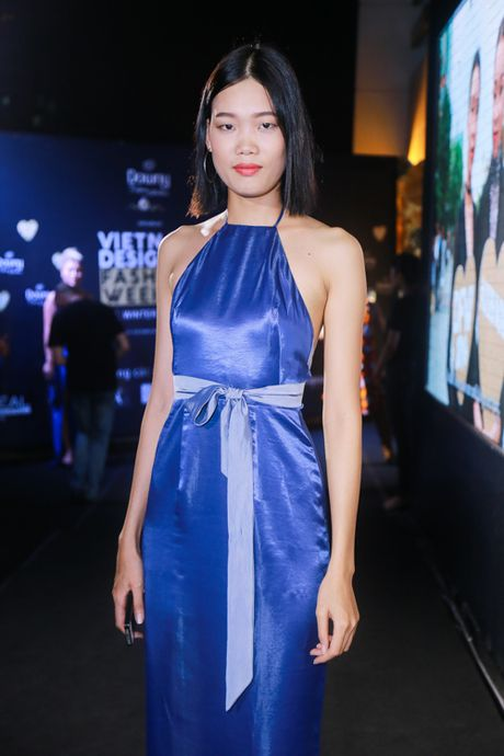 Mai Ngo 'dui da tang' van sexy lan at ca hoa hau Thuy Dung - Anh 4