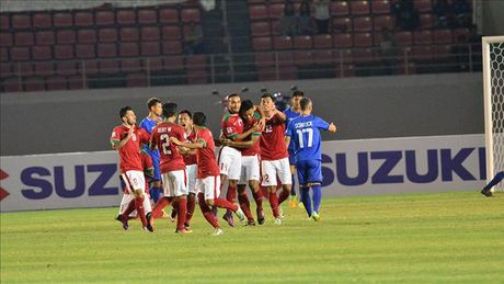 Indonesia lam kho DT Viet Nam tai ban ket AFF Cup 2016 - Anh 1