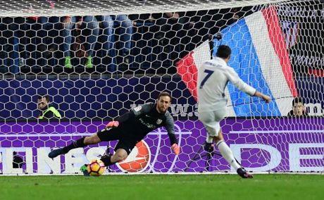 Ronaldo co the pha mot ky luc o tran Sieu kinh dien - Anh 1