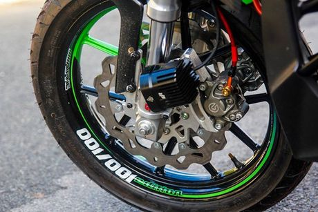 Yamaha FZ150i 'bien hinh' naked-bike khung tai Sai Gon - Anh 3
