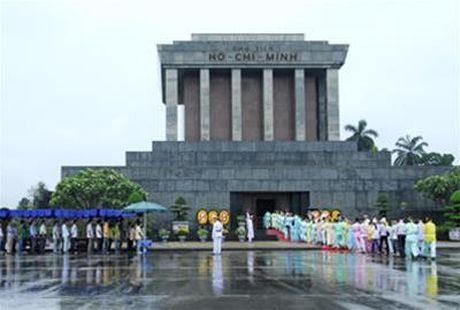 Lang Chu tich Ho Chi Minh mo cua tro lai tu ngay 6-12 - Anh 1