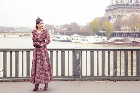 "Ngoc Duyen hoa quy co quy toc dao pho Paris truoc ""gio G"" Victoria's Secret 2016 - Anh 3"