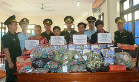 'Cang minh' chong phao lau dip giap Tet - Anh 1