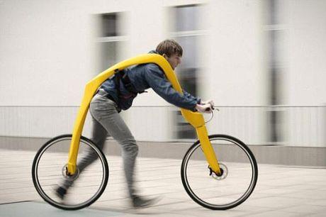Ngac nhien voi xe dap khong pedal cung chang co yen - Anh 1