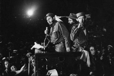 Fidel Castro - Huyen thoai xuyen the ky - Anh 1