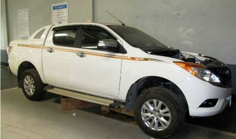 Vu xe Mazda vua mua da 'chet': Hoa giai bat thanh, hai ben tiep tuc 'so gang' - Anh 1