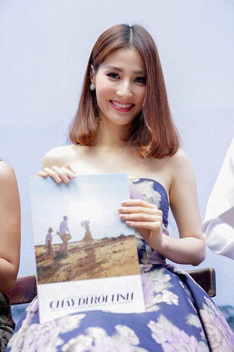 Diem My 9X, Hua Vy Van quang ba phim Tet gay nao loan duong sach - Anh 1