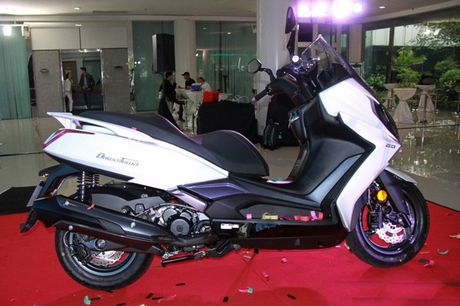 Xe ga 250 phan khoi Kymco Downtown chinh thuc 'trinh lang' - Anh 2
