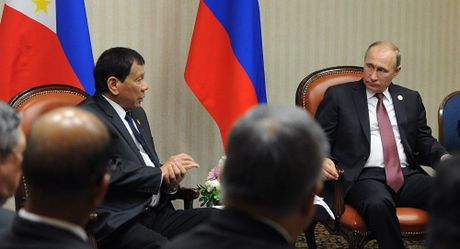 Tong thong Philippines: Ong Putin hiem khi mim cuoi - Anh 1