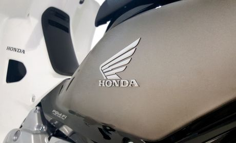 Honda Dream Fi co them phien ban gioi han - Anh 4