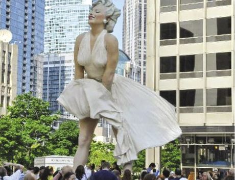 Tuong Marilyn Monroe noi cong cong - Anh 1