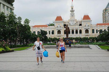Lan dau tien Viet Nam don hon 9 trieu luot khach quoc te - Anh 1
