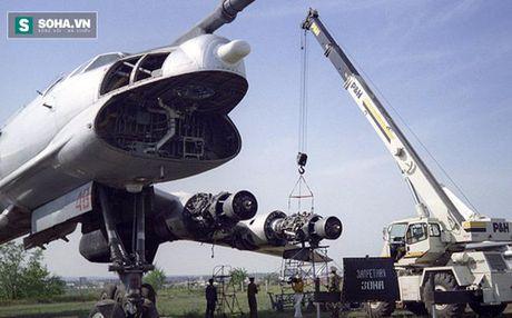 Nho Ukraine thanh ly 5 may bay nem bom Tu-95, Nga bi ho nang - Anh 1