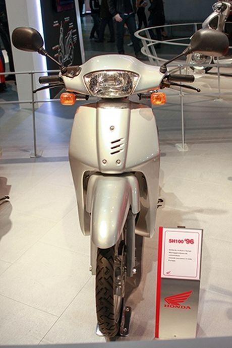 Voc dang Honda SH qua cac the he - Anh 2
