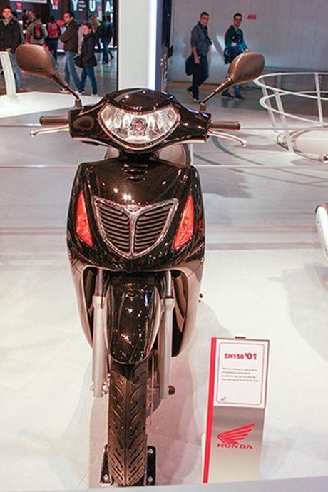 Voc dang Honda SH qua cac the he - Anh 3