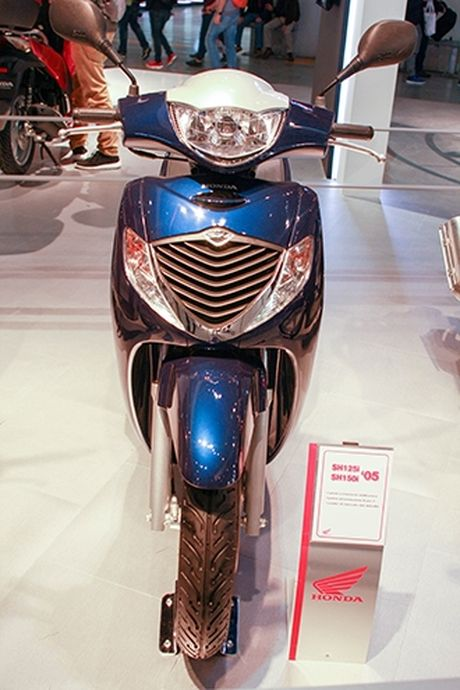 Voc dang Honda SH qua cac the he - Anh 4