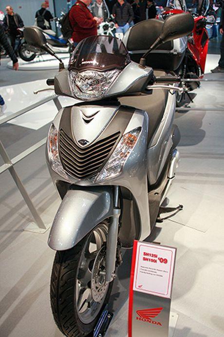 Voc dang Honda SH qua cac the he - Anh 5